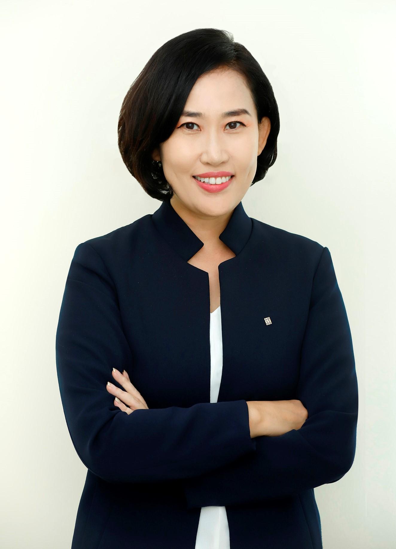 경영대학원장 최은정